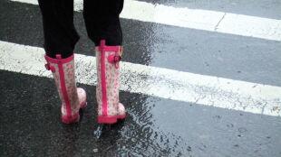 Prognoza pogody na dziś: deszczowy i ciepły dzień, miejscami mocniej powieje