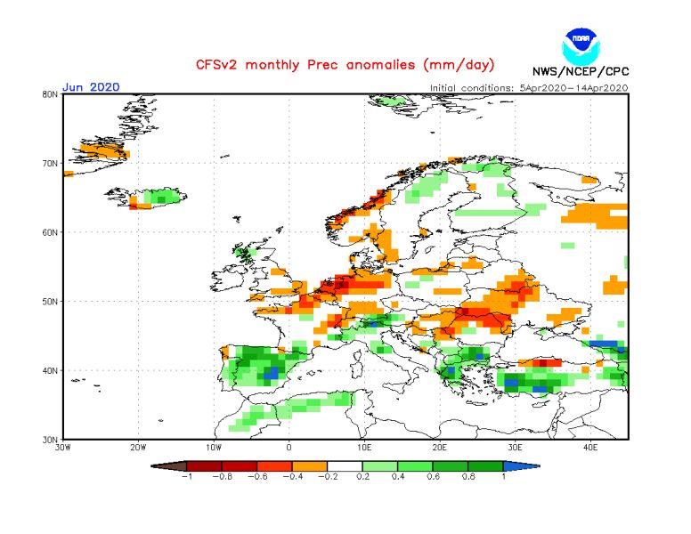 Prognozowane odchylenie miesięcznej sumy opadów w czerwcu 2020 od normy wieloletniej (CFS/NOAA)
