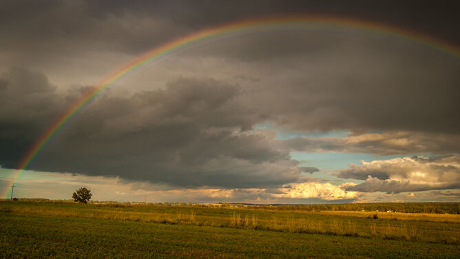 Prognoza pogody na dziś: <br />upalny piątek. Pojawią się burze