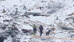 Trwają poszukiwania zaginionych (PAP/EPA/Haakon Mosvold Larsen)