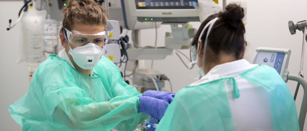 """Szczepionka na gruźlicę a COVID-19. """"Fascynujące"""" doniesienia komentują dla nas eksperci"""